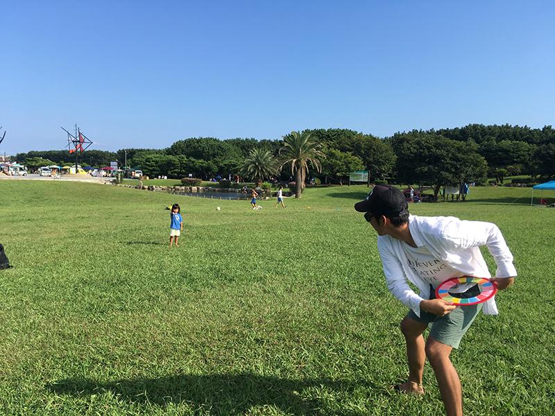 辻堂海浜公園でフリスビー